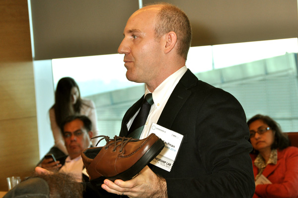 11-E-Lab-Shoe